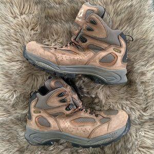 Vasque Gore-Tex  hiking boots work vibram brown